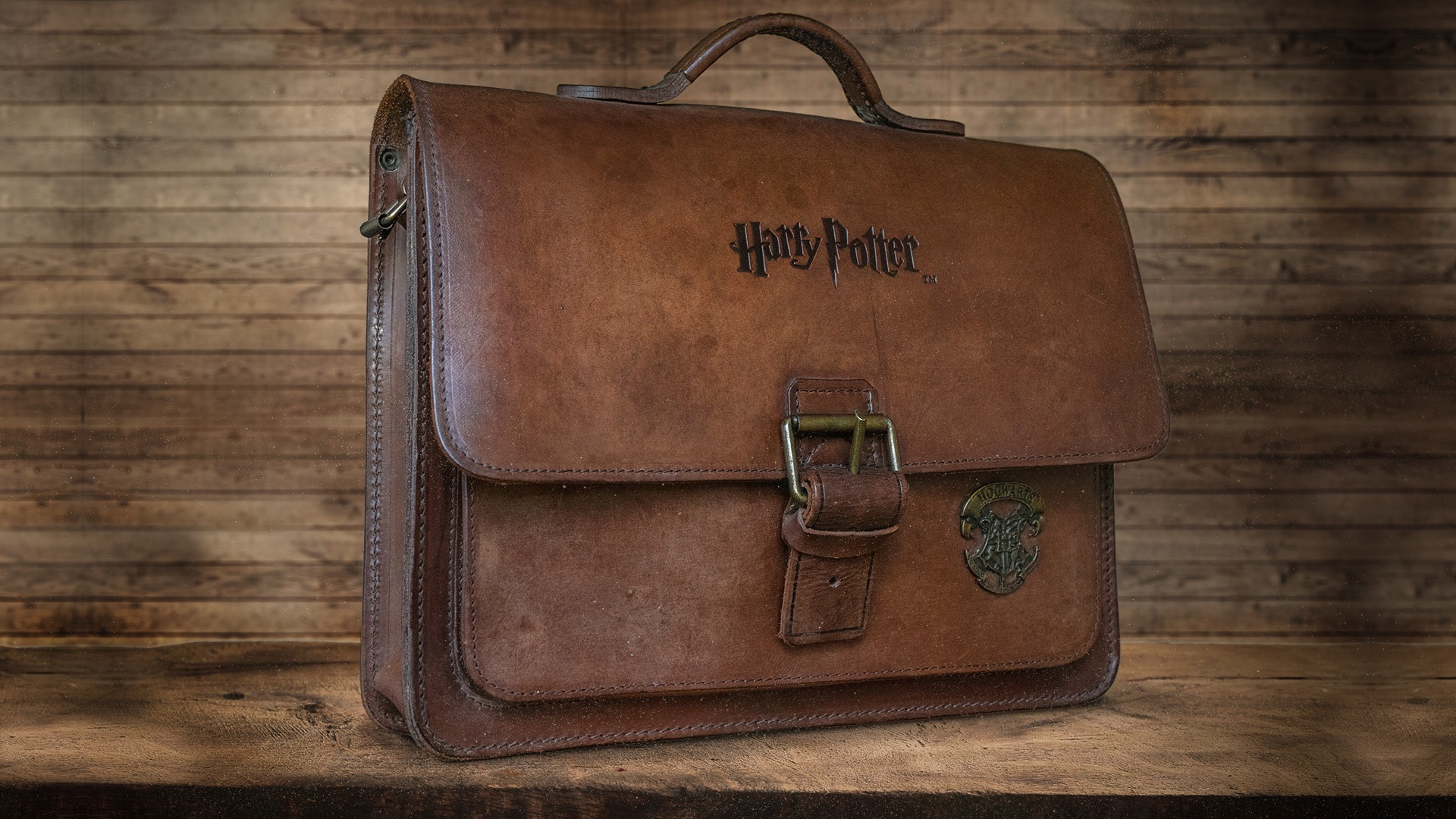 Cartable en cuir marron Harry Potter.