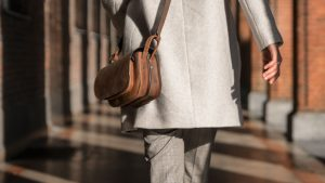 Beau sac épaule en cuir vintage.